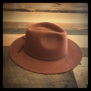 Rust color Brixton hat.